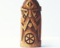 Holz Figur  Týr. Handgeschnitzte Holzfigur Týr / Teiws / Tīw