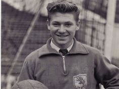 Sad passing of former Lions striker, Roy Summersby.