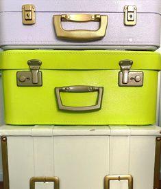 """Meri Weckman sanoo Instagramissa: """"Yöpöytä vanhoista matkalaukuista. Maalattu @tikkurila_suomi kalustemaaleilla. 🤍💚💜 #kotimaistakäsityötä #suomalaistakäsityötä #tuunaus…"""" Cambridge Satchel, Suitcase, Diy, Bags, Instagram, Handbags, Bricolage, Do It Yourself, Briefcase"""