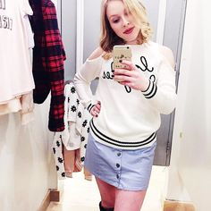 """FINALLY getting cable and phone service back after this crazy windstorm!!  Now just waiting for the wifi to kick back in...will post details to this fab cutout sweater on the """"Shop Instagram"""" tab on my blog once it's up (link in bio)  How's your Sunday going?     #outfitinspiration #shopping #forever21 #sscollective #lifestyleblog #fblogger #bloggervibes #thatsdarling #fashion #fblog #shopstyle #prettylittlething #fashionista #abmlifeiscolorful #fashionable #lotd #flashesofdelight…"""