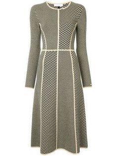 трикотажное платье с геометрическим узором