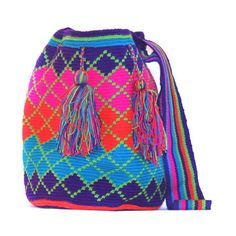 Karma Living: Crochet Mochila Bag, at off! Crochet Handbags, Crochet Purses, Mochila Crochet, Tapestry Crochet Patterns, Tapestry Bag, Boho Bags, Crochet Accessories, Neon Accessories, Knitted Bags