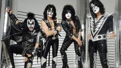 Autograph 190851 Kiss Image No. Eric Singer Autographed 8 x 10 in. Photo, As Shown Kiss Band, Kiss Rock Bands, Peter Criss, El Rock And Roll, Rock And Roll Bands, Paul Stanley, Glam Metal, Gene Simmons, Cover Design