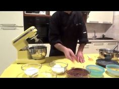Nothing found for 2015 11 Come-fare-le-sfogliatelle-napoletane Happy Foods, Fett, Chocolate Fondue, Food Art, Mousse, Food And Drink, Video, Youtube, Desserts