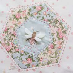 Rose and Violet's Garden Projects - Molly and Mama Hexagon Patchwork, Hexagon Quilt, Hexagons, Garden Projects, Sewing Projects, Violet Garden, Sewing Essentials, Embroidery Patterns Free, English Paper Piecing