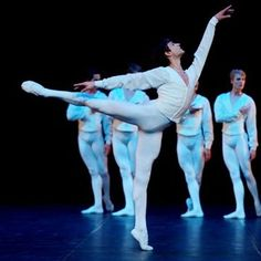 Male Ballet Dancers, Dance Ballet, Stuttgart Ballet, Polina Semionova, Dance Magazine, Bolshoi Theatre, Singapore Fashion, Dance Tights, Swan Lake