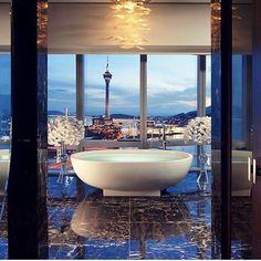 Dream Bath via @elegantresidences_ #bombshelllooks #bath #bathdesign #luxuryhomes #condos #penthouse #bathtub #wealth #wealthy #dreambig #boss #bosschick #girlboss #amrezy #amrezycollection #lipland #hudabeauty #flowers #roses #entrepreneur #balleralert #bathdesign #realestate #motivation #lux #motivational #luxurylife #champagnepapi #workworkwork #rihanna #fentyxpuma by bombshelllooks