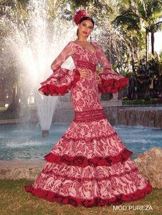 Discover our 2020 collection for flamenco dresses. ✅ Original flamenco dresses of the best quality. Flamenco Dancers, Flamenco Dresses, Spanish Dancer, Gypsy Dresses, Chiffon Ruffle, Dream Dress, Dress Making, Fashion Dresses, Formal Dresses