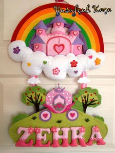 Castle Felt Name Signage Baby Crafts, Cute Crafts, Diy And Crafts, Crafts For Kids, Felt Name, Baby Wall Decor, Felt Wall Hanging, Felt Crafts Patterns, Felt Wreath