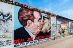 Discover the best things to do in Berlin, including the Museum Island, East Side Gallery, TV Tower, and Brandenburg Gate. Berlin Street, Berlin Art, West Berlin, Street Art, Berlin Graffiti, Berlin Photography, Germany Photography, Banksy, Cool Places To Visit