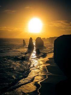 Twelve Apostles off the Great Ocean Rd. - Melbourne - Australia.