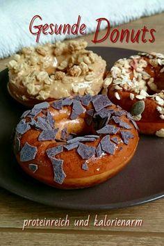 Auf meinem Blog findest Du ein einfaches Rezept für Donuts. Diese sind gesund, zuckerfrei und außerdem sehr proteinreich. // Lisawegmann.de regularsports Lisa Wegmann Rezept recipe