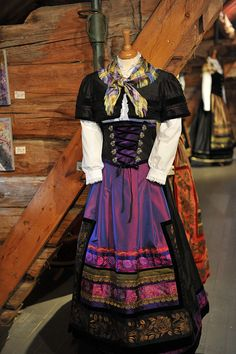 Might have to stop traveling just to get me one of these! Norwegian Clothing, Edwardian Dress, Going Out Of Business, Folklore, Scandinavian, Dress Up, Traveling, Europe, Traditional
