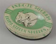 An oval Dutch Pin Tin from Shop Chain Vroom en Dreesman the tin is in good shape and in my Collection and for Sale