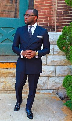 """acuratedman: """" The Navy DB Suit - Served Straight Up """" I really want a double breasted suit. Gentleman Mode, Gentleman Style, Mens Fashion Blog, Suit Fashion, Fashion Styles, Fashion Ideas, Sharp Dressed Man, Well Dressed Men, Men Formal"""