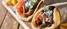 Σουβλάκι φτιαγμένο από… «χρυσό» – Στα ύψη η τιμή του αγαπημένου junk food των Ελλήνων (βίντεο) – My Review Moussaka, Gyro Pita, Different Types Of Bread, Gyro Recipe, Meat Seasoning, Food Categories, Calories, Tzatziki, Lamb
