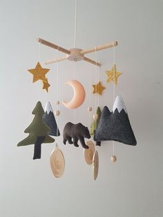 Woodland Crib Mobile Nursery, Bear Baby Mobile Felt,Woodland Boy Nursery, Woodland mobile baby boy, - DIY Gifts For Home Ideen Woodland Nursery Boy, Bear Nursery, Nursery Crib, Nursery Decor, Forest Nursery, Woodland Theme, Nature Themed Nursery, Nursery Mobiles, Mountain Nursery