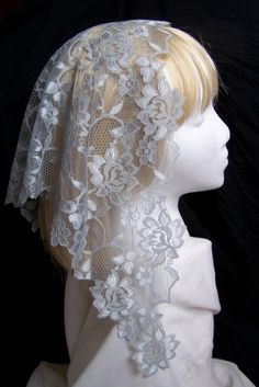 Short Floral Lace Mantillas - Veils by Lily