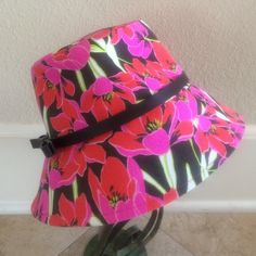 🌴Kate Spade 'rio' tropical floral bucket hat🌴 New listing!!  Kate Spade tropical floral canvas bucket hat.  Cotton with a brown, slender leather band.  Perfect spring hat by kate spade new york.  Worn only a couple times. kate spade Accessories Hats