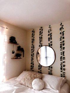 Dorm Color Schemes, Dorm Room Colors, White Wall Mirrors, White Walls, Cute Room Decor, Room Ideas Bedroom, Cozy Bedroom, Bedroom Green, White Bedroom