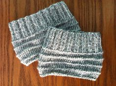 Learning how to knit boot cuffs has never been easier than with the Easy Knit Boot Cuffs. Knit entirely on straight needles with the use of only the most basic knit and purl stitches, this free boot cuff knitting pattern is perfect for beginner knitters looking for a quick and easy knitting project to sink their needles into.