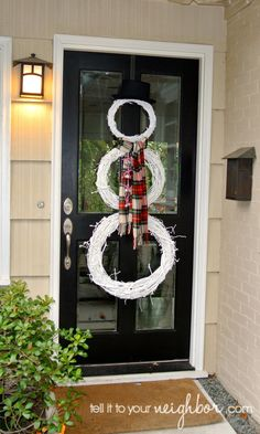Snowman Wreath-I've seen this so many times...I will do this some day! :)