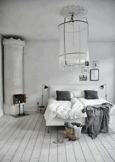 Pimpelwit : bedroom - grey and white colors - white painted wooden floor