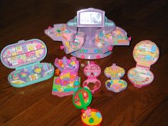 polly pocket toys. Omg I loved these so much!!!
