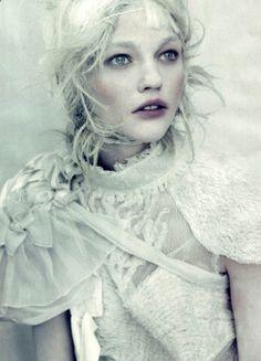 Sasha Pivovarova by Paolo Roversi - Vogue italia