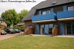 Ferienwohnung 09 am Selliner See Sellin (Ostseebad) Situated in Sellin, this apartment features free WiFi and a balcony. The property boasts views of the lake is 6 km from Binz. Free private parking is available on site.  A dishwasher and an oven can be found in the kitchen.
