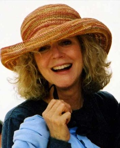 blythe danner style. She ages so gracefully! / mpc