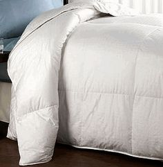 Microfiber Down Alternative Comforter King/Cal King Size - This Alternative Down Comforter is one of the most popular bedding for people looking f.