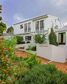 ▶️ Click on the image for the website ◀️ The welcoming atmosphere and meticulous attention to detail which characterise this home away from home. • 4 Kommissaris Street Welgemoed • 021 913 2205 • 083 4582418 • leonora@welgemoed.co.za #leonoraatwelgemoedmanor #leonora #capetown #capetownnorth #accommodation #travel #amazing #luxury #summer #holidays #tourism Cape Town Accommodation, Shopping Malls, Home And Away, Bed And Breakfast, Tourism, Patio, Holidays, Mansions, Luxury