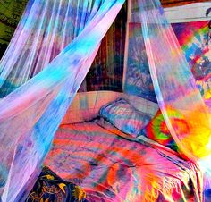 Art hippie bedroom, tie dye home-decor (and yes, I had a lot of these! Dream Rooms, Dream Bedroom, Girls Bedroom, Bedroom Decor, Bedroom Ideas, Bedroom Bed, Bedroom Inspiration, Pretty Bedroom, Master Bedroom