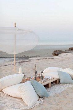 Beach wedding pillow seating - Deer Pearl Flowers