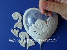 Svadobná 3D ozdoba - krajkové srdiečko :: Torty, medovníky, maľovanie na sklo, hodváb a plátno