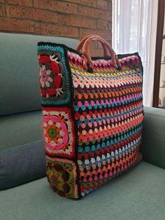 Crochet Circle Pattern, Crochet Circles, Crochet Granny, Knit Crochet, Crochet Patterns, Crochet Clutch Bags, Crochet Handbags, Crochet Purses, Crochet Hooks