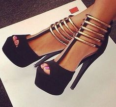 Black heigh heels