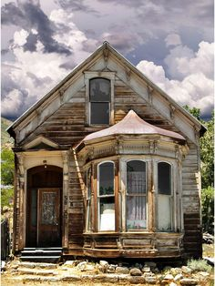 Abandoned Buildings, Old Abandoned Houses, Abandoned Mansions, Old Buildings, Abandoned Places, Victorian Buildings, Abandoned Castles, Nevada Ghost Towns, This Old House