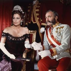 James Mason and Ava Gardner / Mayerling / 1968 directed by Terence Young Hollywood Cinema, Old Hollywood Stars, Classic Hollywood, Susan Hayward, Gregory Peck, Grace Kelly, Ava Gardner Photos, Ava Gardener, The Killers