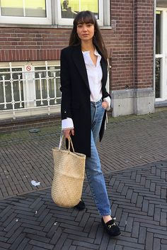 Black blazer, white shirt, mom jeans, black loafers, straw tote. Fashion 2018, spring fashion, spring style, spring outfit, casual spring outfit, casual outfit, blazer outfit, jeans outfit, fashion trends 2018, spring fashion trends 2018, street style. #fashion2018 #springstyle #ss18 #casualstyle #streetstyle #ootd #whatiwore #blazer #outfits #outfitideas #outfitinspiration #bedazelive #blazer #blazeroutfit #ootd #springfashion
