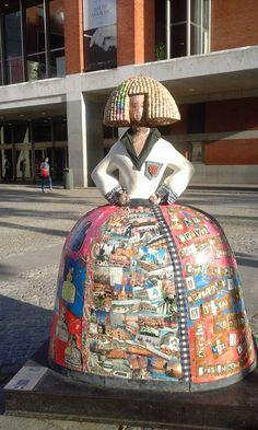 Wooden Dolls, Public Art, Installation Art, Contemporary Artists, Madrid, Art Projects, Art Ideas, Street Art, History