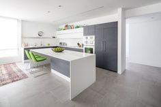 Diplomat apartment / Dan Brunn Architecture