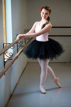 black swan costume on pinterest black swan dark angel costume and peacock costume. Black Bedroom Furniture Sets. Home Design Ideas
