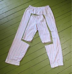 Ideas For Diy Baby Clothes Upcycle Ideas Diy Clothing, Sewing Clothes, Clothing Patterns, Doll Clothes, Reuse Clothes, Clothes Refashion, Sewing Pants, Recycled Clothing, Sewing For Kids