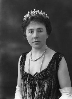 The Queensberry Pearl Tiara - A diamond and pearl tiara with seven diamond sections. Each section has a button pearl in the centre and is topped with a pear-shaped pearl, with smaller diamond spacers. (400×546) Mary Louise Douglas (née Bickel), Marchioness of Queensberry (died 1956), Second wife of 10th Marquess of Queensberry; daughter of Richard Bickel.