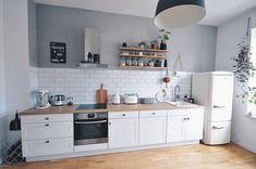 Kitchen Room Design, Modern Kitchen Design, Kitchen Layout, Home Decor Kitchen, Interior Design Kitchen, Home Kitchens, Kitchen Dining, Small Apartment Kitchen, Dining Room Inspiration