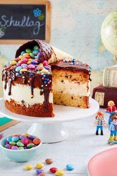 Wenn die auf dem Tisch steht, kennen frisch eingeschulte Kinder und ihre Gäste kein Halten mehr! #Einschulungstorte #Rezept #Idee #backen #Torte Tiramisu, Muffins, Baking, Breakfast, Cake, Babys, Ethnic Recipes, Desserts, Food