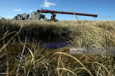 An abandoned Argentine recoilless gun remains 20 March, 2007 in Mount Longdon, one of the places where the soldiers bitterly fought during the war for the possession of the Malvinas/Falkland islands in 1982 between Argentina and the United Kingdom. Twenty-five years later Buenos Aires continues to claim sovereignty over the islands, which the country's then military junta invaded on April 2, 1982. More than 900 people died, including 655 Argentines, 255 British troops and three islanders…