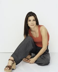 Sandra Bullock has great style Sandro, Sandra Bullock Feet, Famous Celebrities, Celebs, Female Celebrities, Laura San Giacomo, Beautiful People, Beautiful Women, Bionic Woman